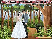 Click to Play Bride and Groom Season Kiss